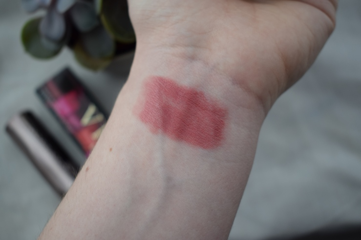 Urban-decay-vice-lipstick-sheer-liar-review (14)