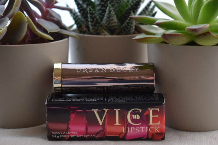 Urban-decay-vice-lipstick-sheer-liar-review (7)