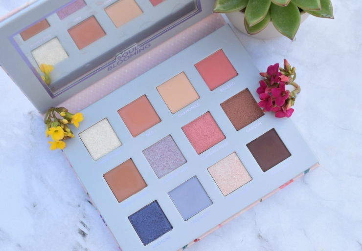 Nabla-Cosmetics-Soul-Blooming-Eyeshadow-Palette-Review (4)