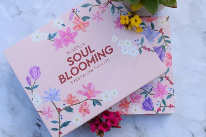 Nabla-Cosmetics-Soul-Blooming-Eyeshadow-Palette-Review (7)