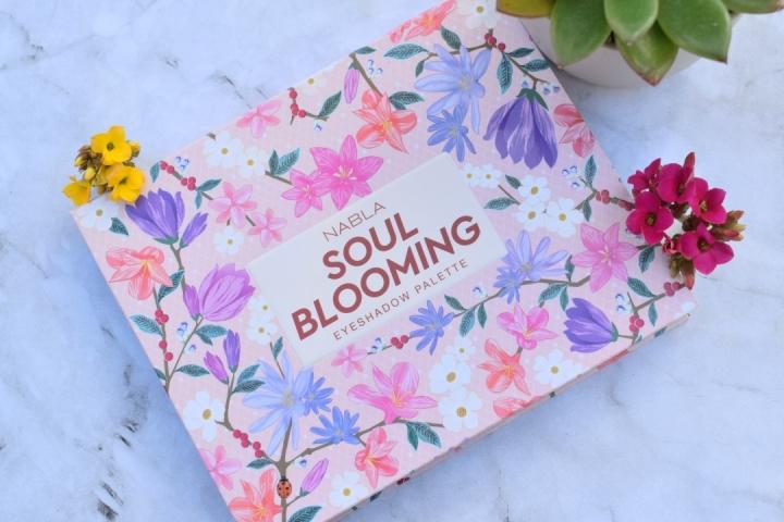 Nabla-Cosmetics-Soul-Blooming-Eyeshadow-Palette-Review(3)