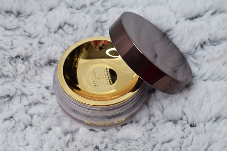 Hourglass-veil-translucent-setting-powder-review-swatches (4)