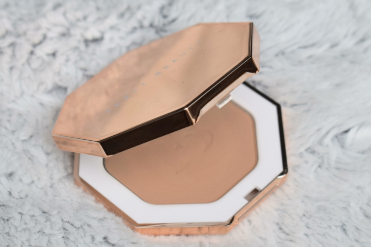 fenty-beauty-sun-stalkr-bronzer-review-swatches-inda-sun (1)