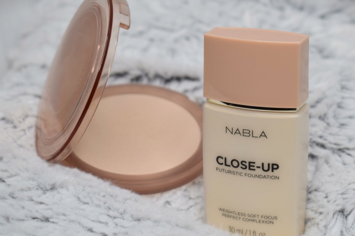 nabla-closeup-foundation-futuristic-smoothing-pressed-powder-review-swatches (1)