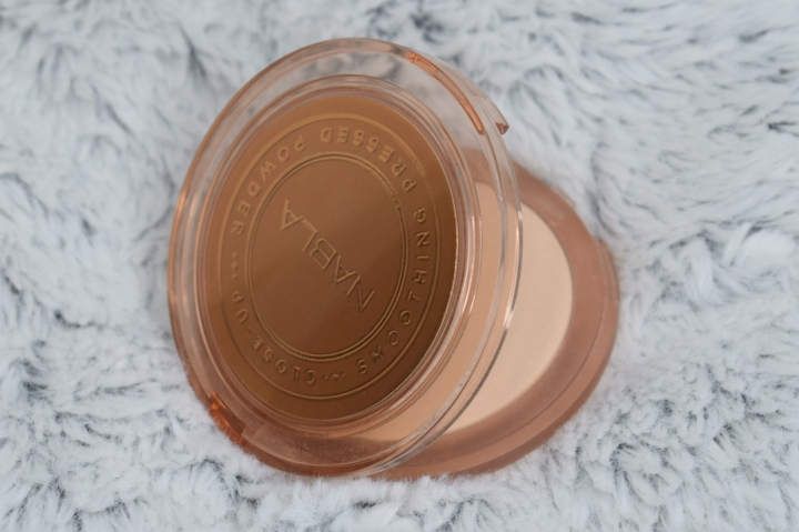 nabla-closeup-smoothing-pressed-powder-review-swatches-light (5)