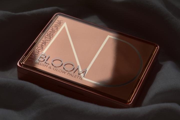 natasha-denona-bloom-blush-and-glow-palette-review-swatches (10)