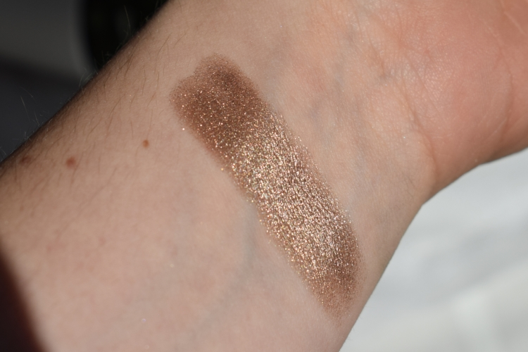 essence-melted-chrome-eyeshadow-review-swatches-ironic (5)
