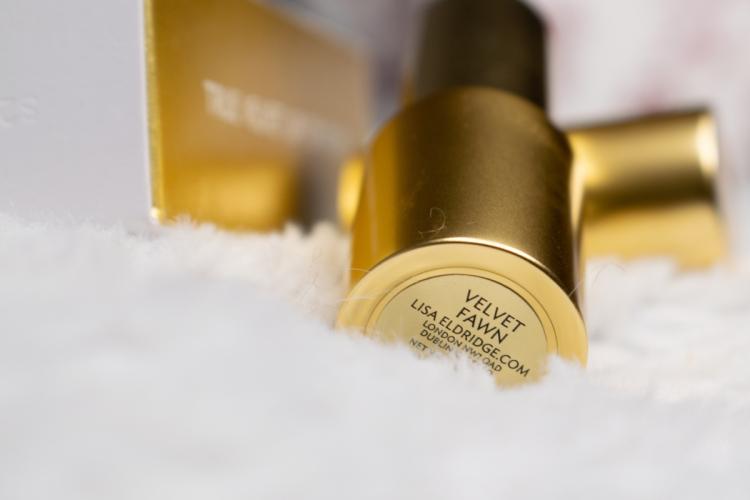 lisa-eldridge-true-velvet-lip-colour-velvet-fawn-swatches-review (8)