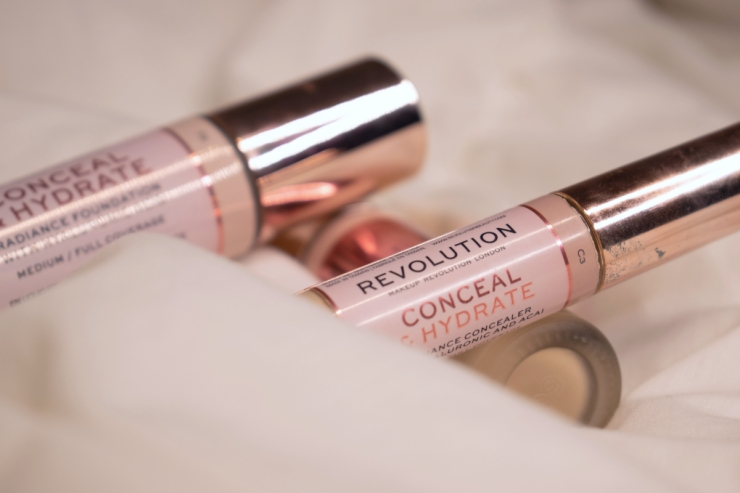makeup-revolution-conceal-and-hydrate-concealer-review-swatches-c3 (1)