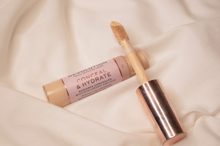 makeup-revolution-conceal-and-hydrate-concealer-review-swatches-c3 (5)