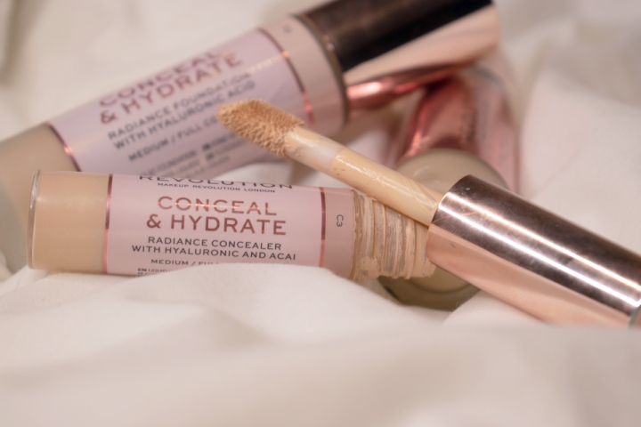 makeup-revolution-conceal-and-hydrate-concealer-review-swatches-c3 (6)