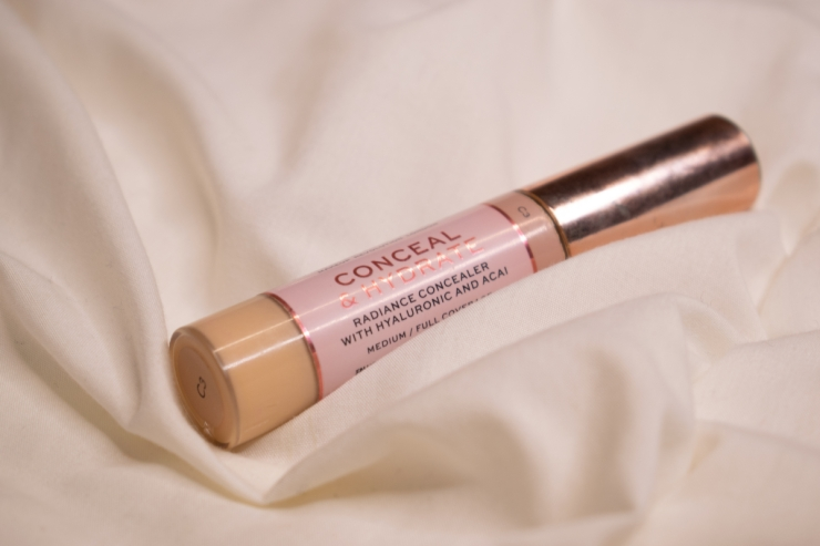 makeup-revolution-conceal-and-hydrate-concealer-review-swatches-c3 (8)