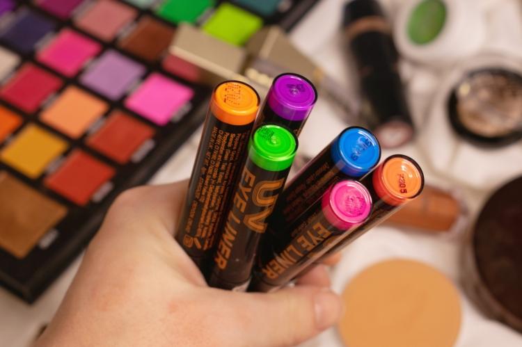 stargazer-neon-eyeliners-review