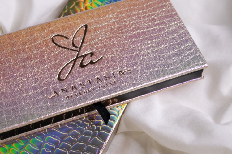 jackie-aina-abh-anastasia-beverly-hills-palette-review-swatches (5)